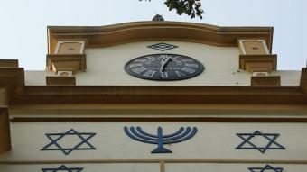 """Still from """"The Synagogue cared for by Muslims"""" (source: BBC)"""