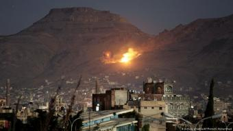 Fire and smoke rise after a Saudi-led airstrike hit a site believed to be one of the largest weapons depots on the outskirts of Yemen's capital, Sanaa, 14 October 2016 (photo: picture alliance/AP Photo/H. Mohammed)